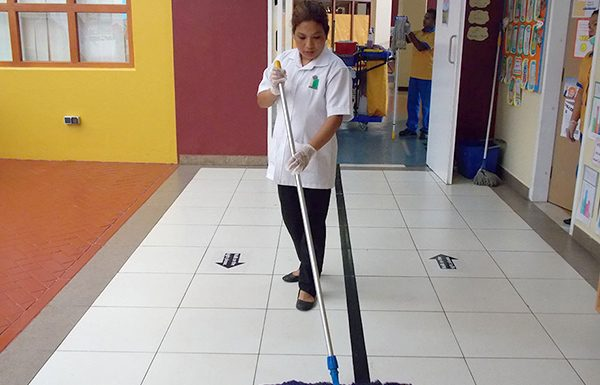 """Hire a cleaning company and make your business """"clean to shine""""!"""