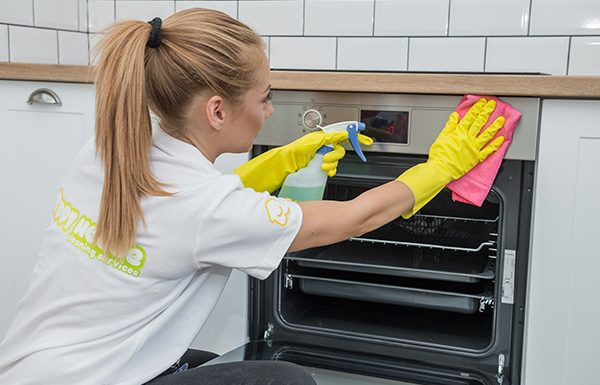 Deep home cleaning service in London