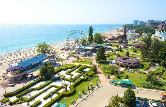Тake the change to have some really exciting vacation at sea by visiting Golden Sands resort!