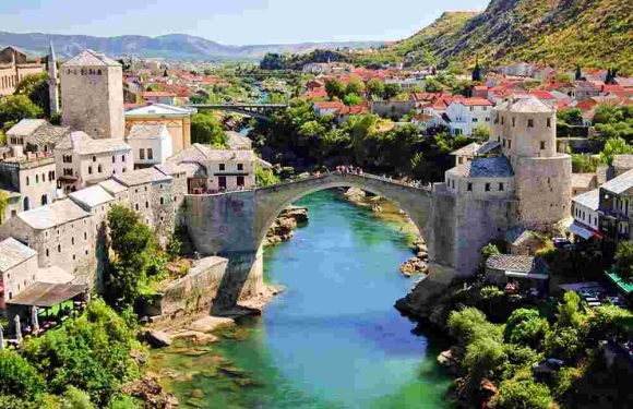 Go to Dubrovnik and enjoy the beauty of this town!