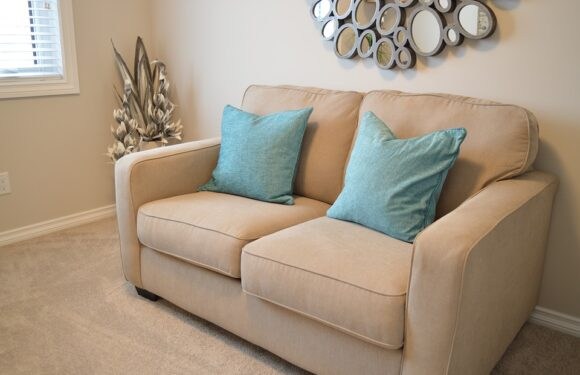 Cleaning the upholstery of the sofa in a short time, for less and in an effective way – how to achieve it